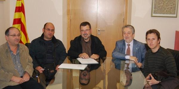 El Consell Comarcal de l'Alt Penedès i l'associació Entrem-hi signen un conveni de col·laboració