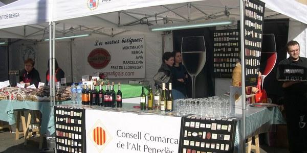 El Consell Comarcal de l'Alt Penedès i la DO Penedès promocionen els vins del Penedès al mercat de la Boqueria